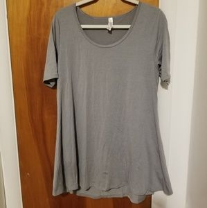 NWOT LuLaRoe Grey Perfect T Size M